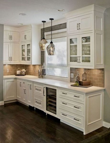 Off White Kitchen Cabinets #paintcolor #relax #homedecor #calming color #decorhomeideas