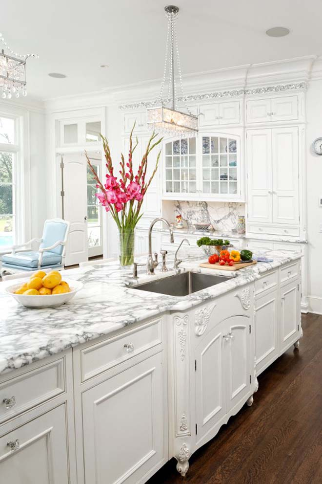 Snow White Traditional Kitchen