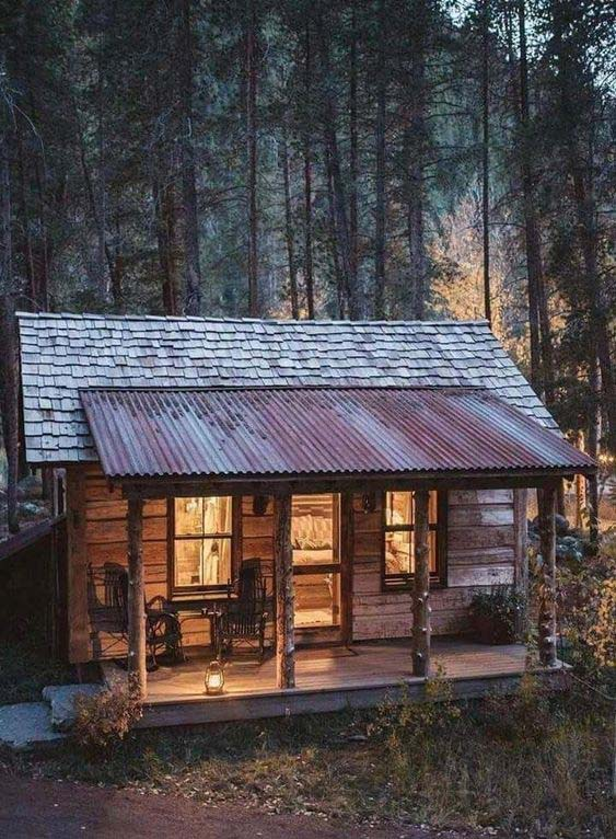 Tiny Cabin With Front Porch #cabin #loghouse #tinyhouse  #decorhomeideas