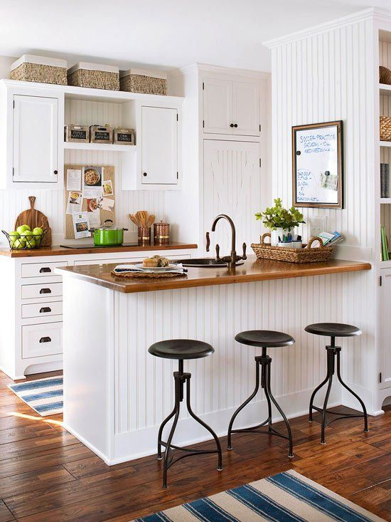 White Antique U-Shaped Kitchen