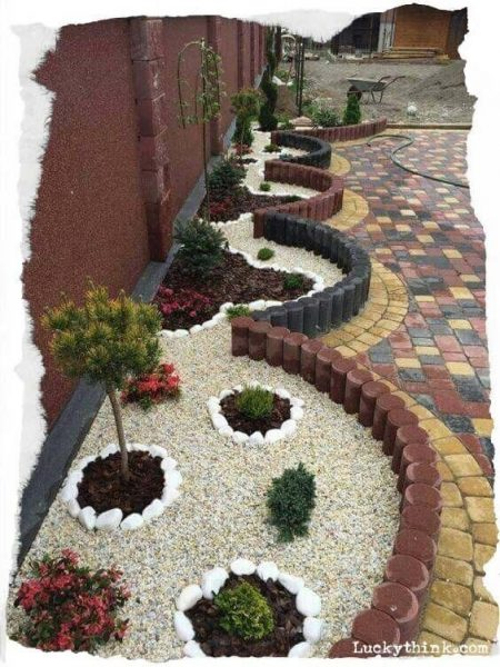 Creative Garden Edging #garden #gardenbed #edging #decorhomeideas