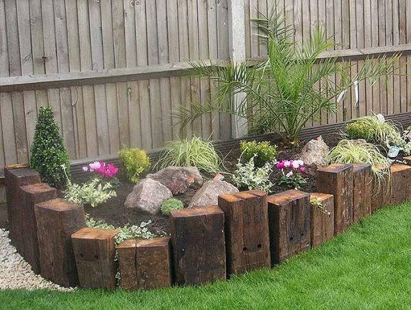 Railway Sleepers Garden Edging #garden #gardenbed #edging #decorhomeideas