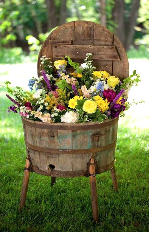 Repurposed Whiskey Barrel Garden Planter #garden #planters #vintage #decorhomeideas
