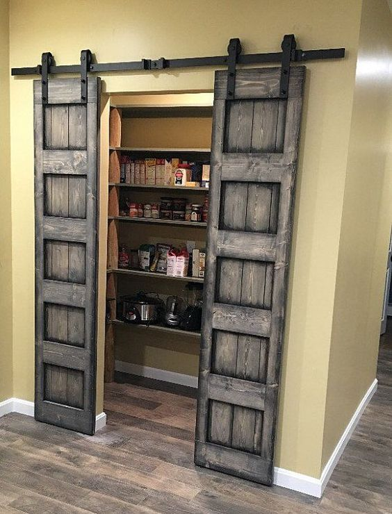 Rustic Barn Door For Closet #closet #doors #organization #decorhomeideas