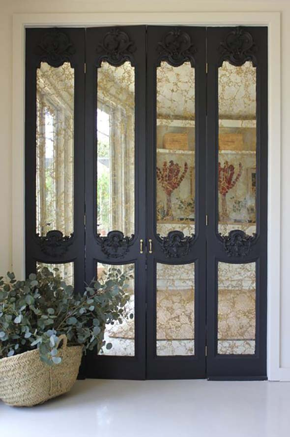 Antiqued Mirror Closet Doors #closet #mirror #door #decorhomeideas
