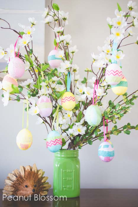 Colorful Easter Egg Tree #easter #crafts #diy #decorhomeideas