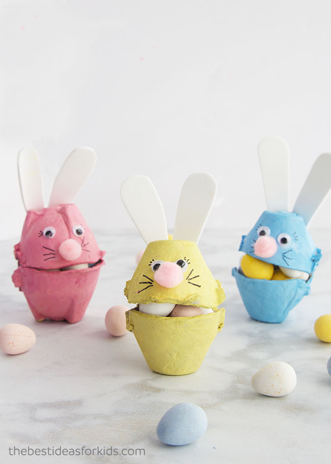 Easter Egg Carton Craft Bunnies #easter #crafts #diy #decorhomeideas