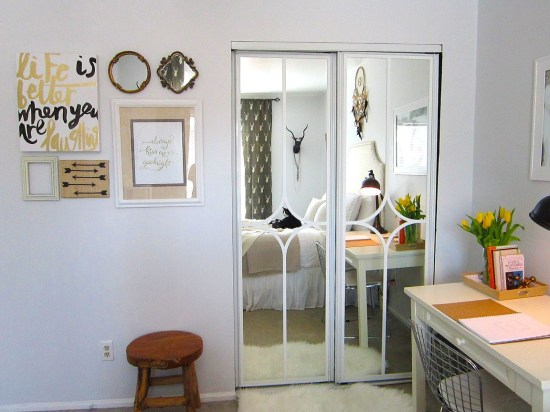 Mirrored Closet  Door Makeover #closet #mirror #door #decorhomeideas