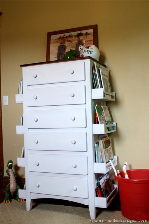 DIY Old Dresser With Bookshelf #diy #furniture #makeover #repurpose #decorhomeideas