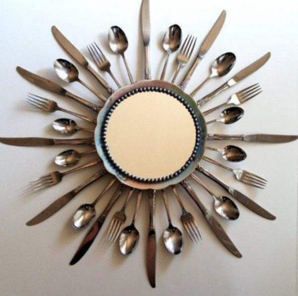 DIY Wall Decor From Old Forks and Spoons #repurpose #reuse #kitchen #utensil #decorhomeideas