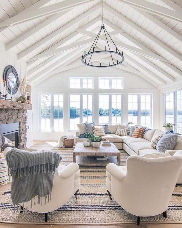 Bright And Airy Vaulted Ceiling Living Room #ceiling #livingroom #vaulted #decorhomeideas
