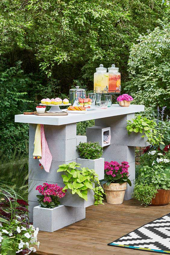DIY Cinder Block Outdoor Bar #cinderblock #garden #decorhomeideas