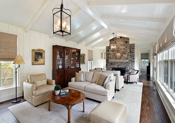 Living Room With Vaulted Ceiling #ceiling #livingroom #vaulted #decorhomeideas