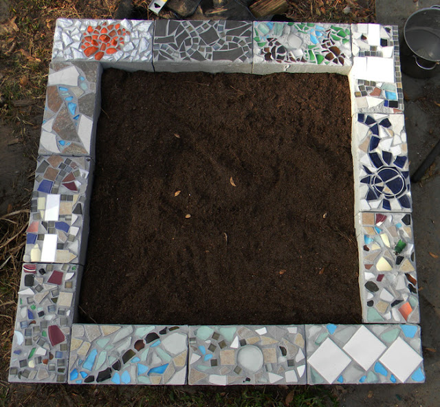 Raised Garden Bed Cinder Block Edging #cinderblock #garden #decorhomeideas