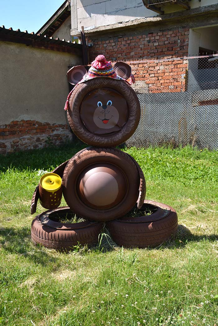 Bear Old Tires Garden Decor #garden #oldtires #decorhomeideas