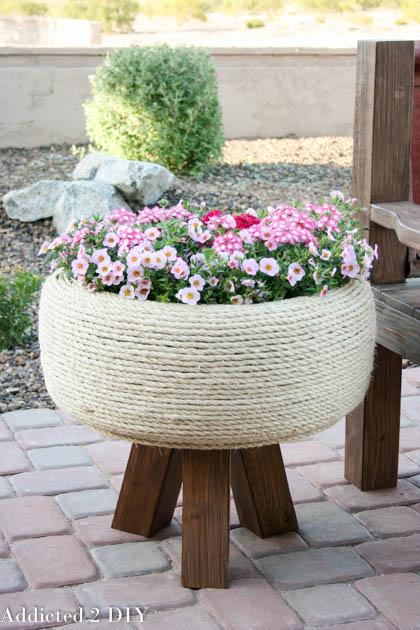 DIY Flower Planter From Old Tire #garden #oldtires #decorhomeideas