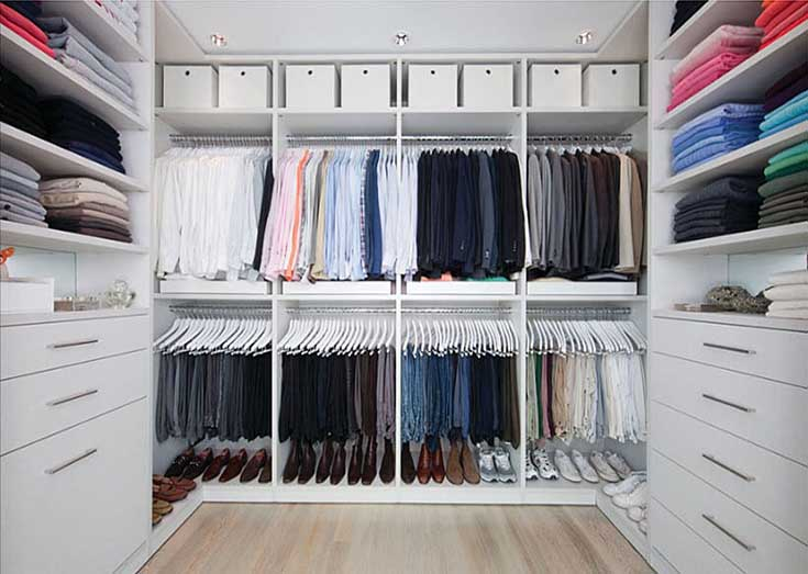 Fully Organized Walk In Closet #closet #storage #decorhomeideas