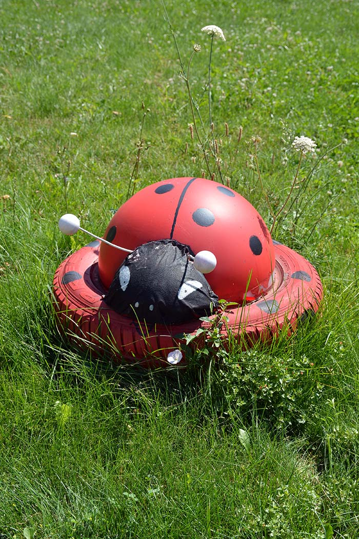 Ladybug Old Tire Garden Decor#garden #oldtires #decorhomeideas