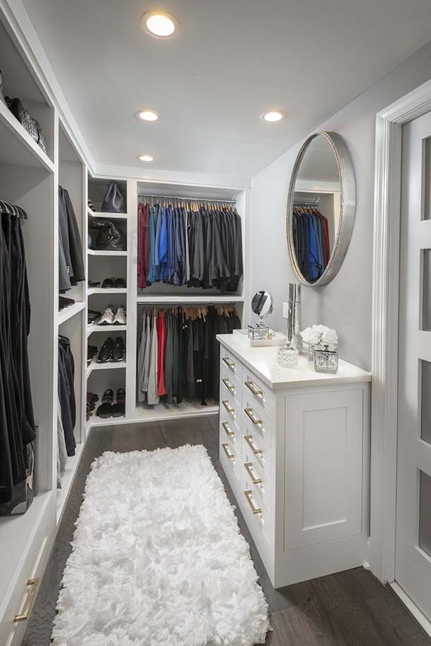 Master Bathroom Walk In Closet #closet #storage #decorhomeideas