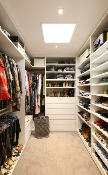 Neat Storage Idea Walk In Closet #closet #storage #decorhomeideas
