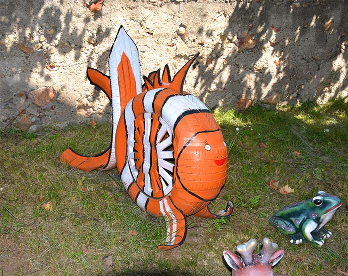 Orange Fish Garden Decor#garden #oldtires #decorhomeideas