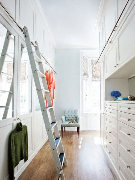 Small Narrow Walk In Closet #closet #storage #decorhomeideas