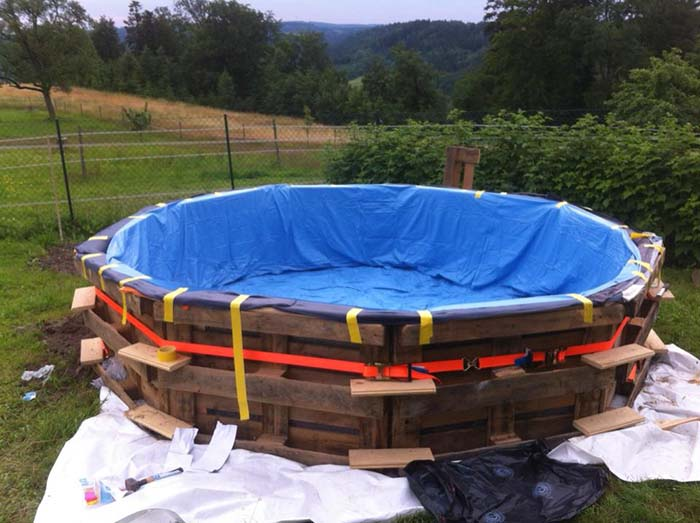 Swimming Pool Made Out Of Pallets Step 4