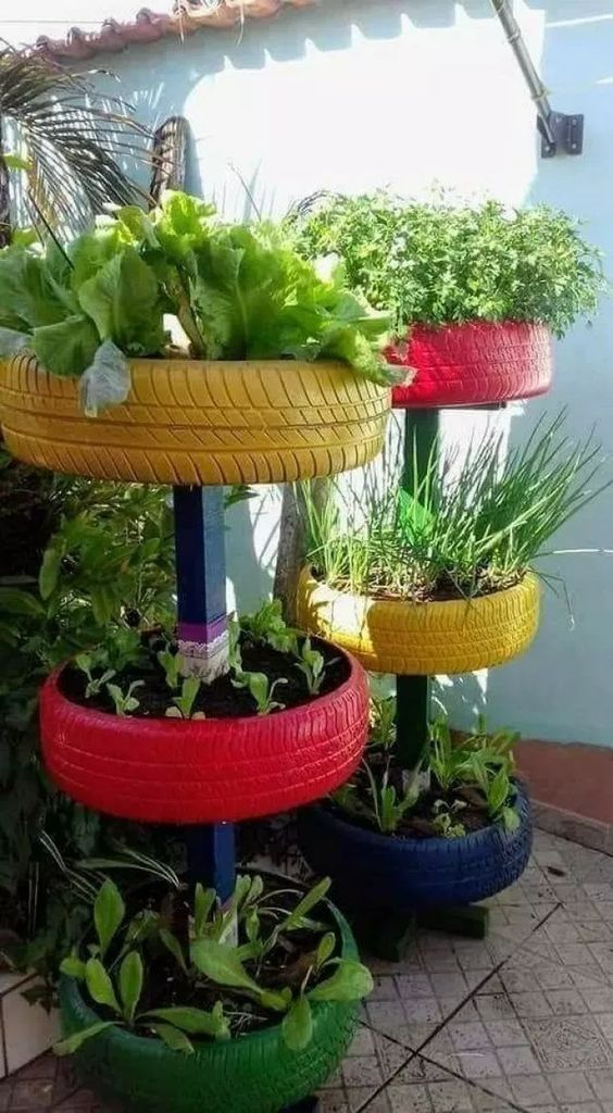 Vertical garden planters from old tires #garden #oldtires #decorhomeideas