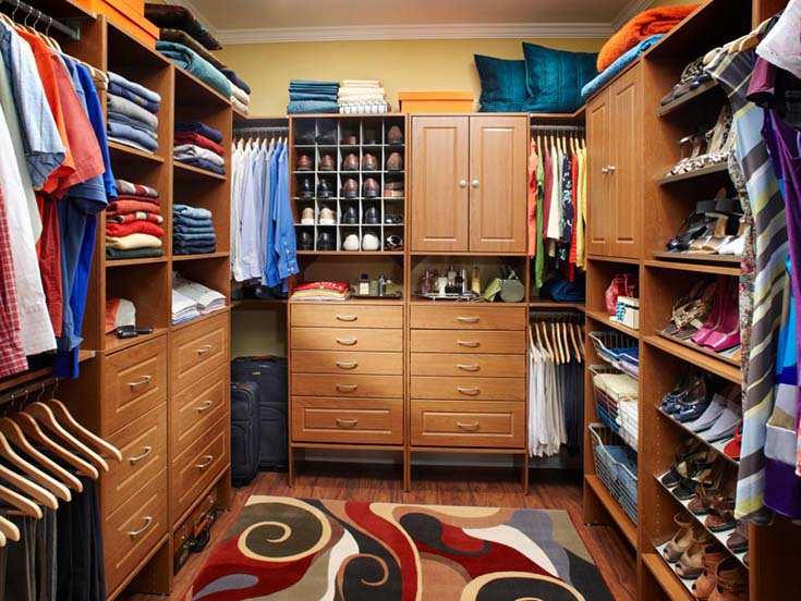 Walk In Closet Simple Design #closet #storage #decorhomeideas