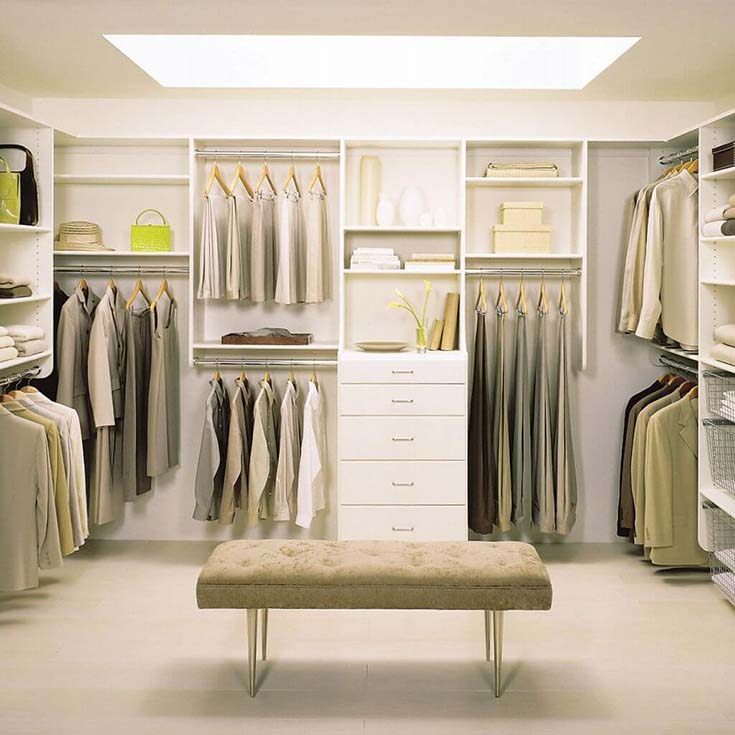 Walk In Closet With Bench #closet #storage #decorhomeideas
