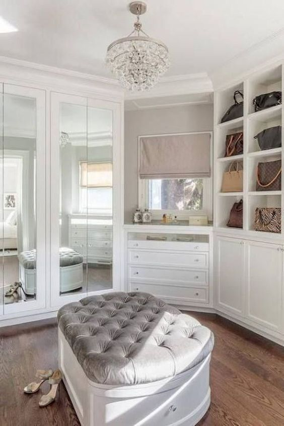 Walk In Closet With Ottoman #closet #storage #decorhomeideas