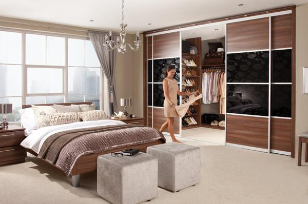 Walk In Closet With Sliding Doors #closet #storage #decorhomeideas