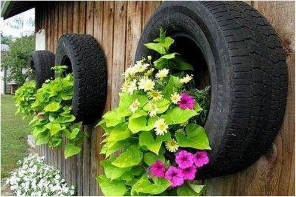 Wall Flower Planter From Old Tires #garden #oldtires #decorhomeideas