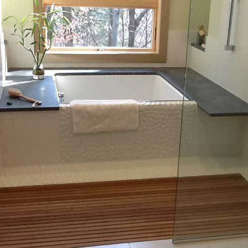 Bath Tub With Teak Flooring
