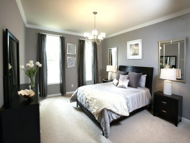 Black Accented Silver Bedroom #bedroom #silver #decorhomeideas