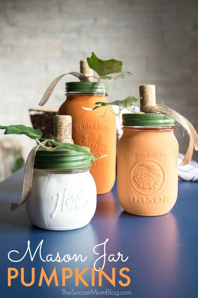DIY Painted Mason Jar Pumpkins #falldecor #masonjar #decorhomeideas