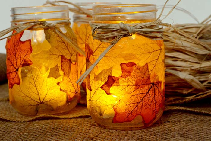 Maple Leaf Fall Decor Mason Jar #falldecor #masonjar #decorhomeideas