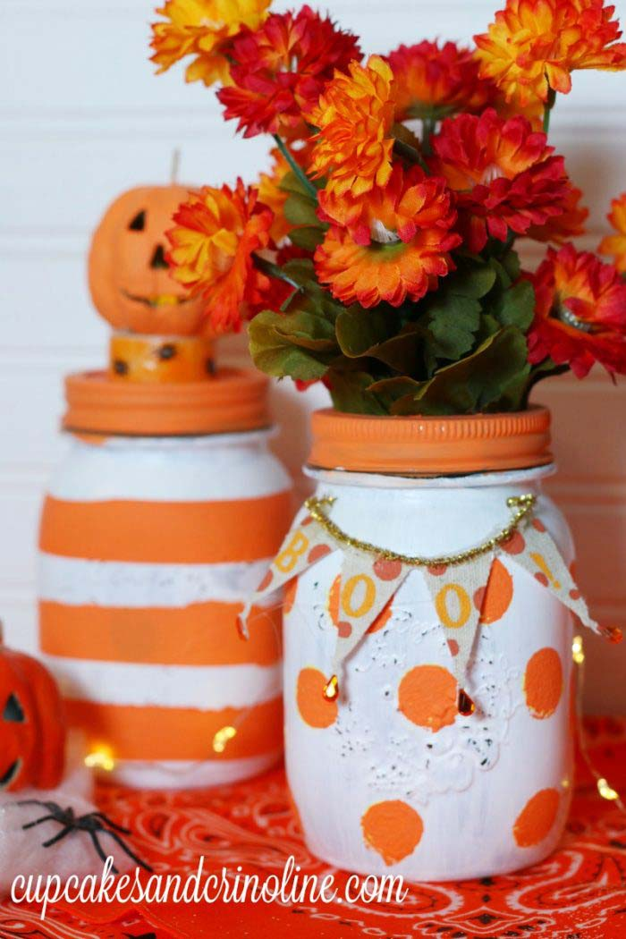 Polka Dot and Striped Mason Jars #falldecor #masonjar #decorhomeideas