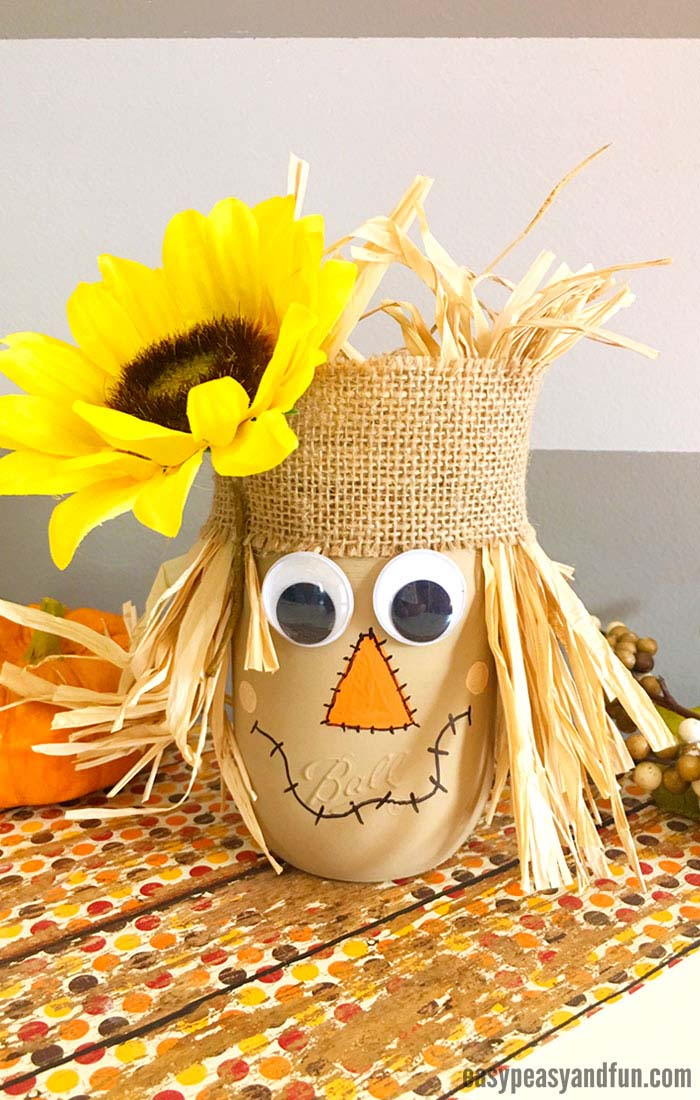 Scarecrow Mason Jar Fall Craft #falldecor #masonjar #decorhomeideas