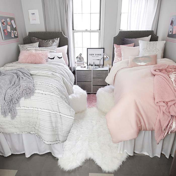 Twin Bed Silver Pink Bedroom #bedroom #silver #decorhomeideas