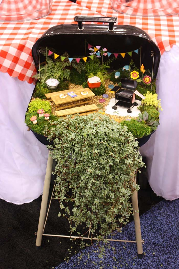 Barbecue Themed Fairy Garden #fairygarden #diy #decorhomeideas