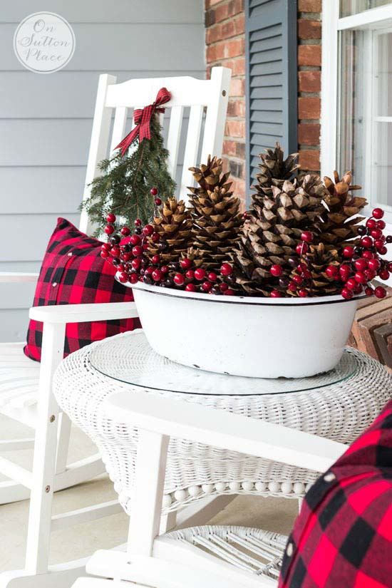 Buffalo Check Front Porch Christmas Decor #Christmas #buffalocheck #diy #decorhomeideas