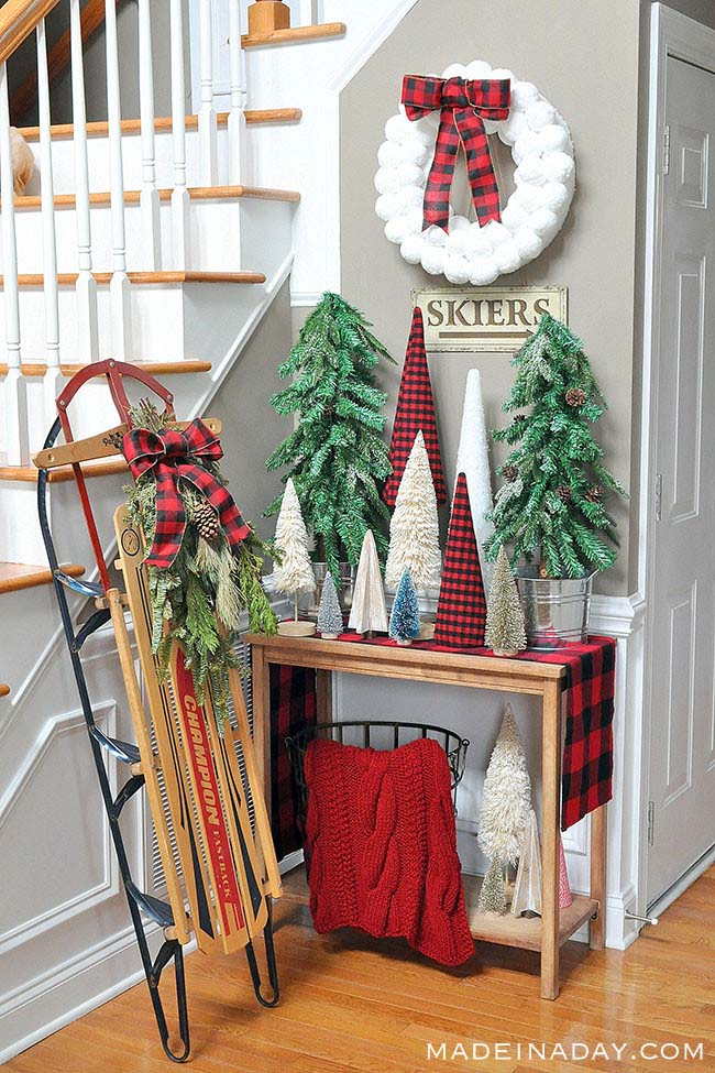 Buffalo Plaid Christmas Tree Forest Entryway #Christmas #buffalocheck #diy #decorhomeideas
