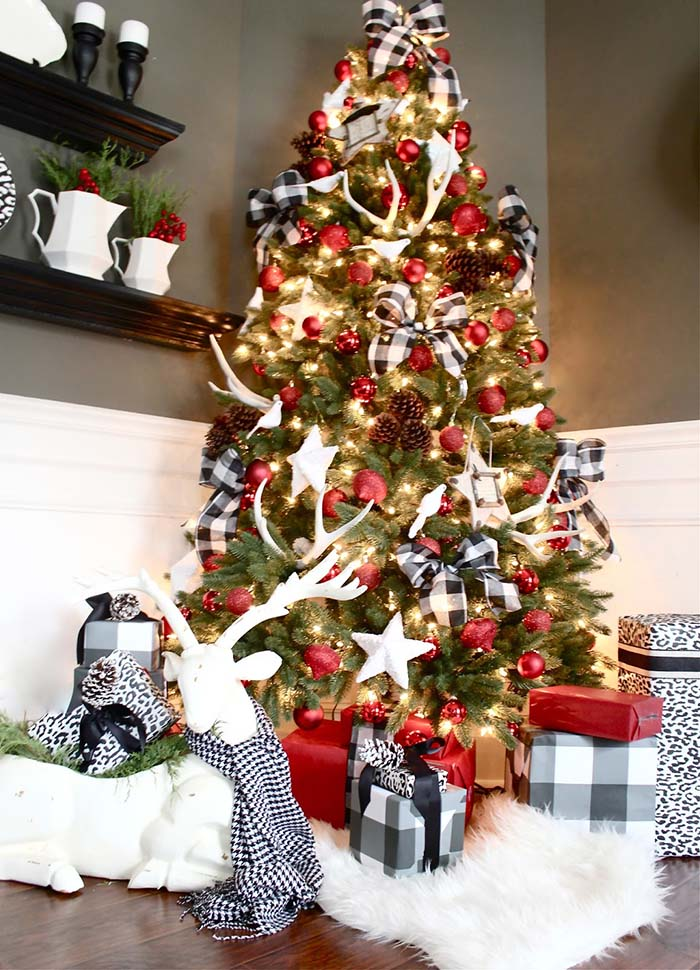 Buffalo Plaid Christmas Tree #Christmas #buffalocheck #diy #decorhomeideas