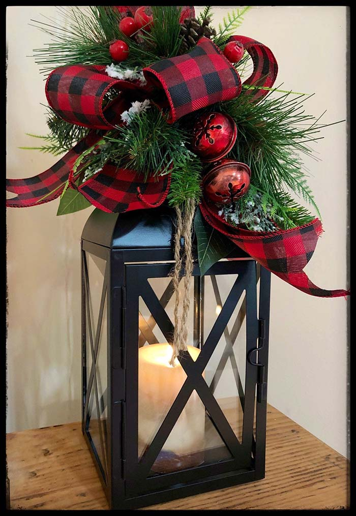 Buffalo Plaid Lantern #Christmas #buffalocheck #diy #decorhomeideas
