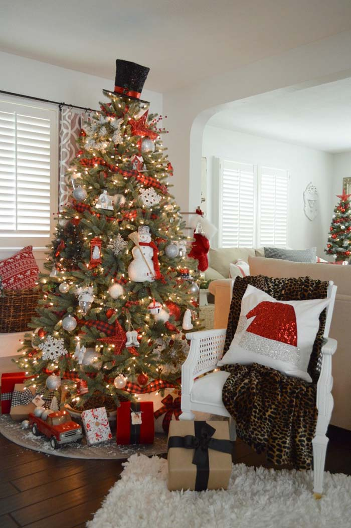 Classic Buffalo Check Christmas Tree #Christmas #buffalocheck #diy #decorhomeideas