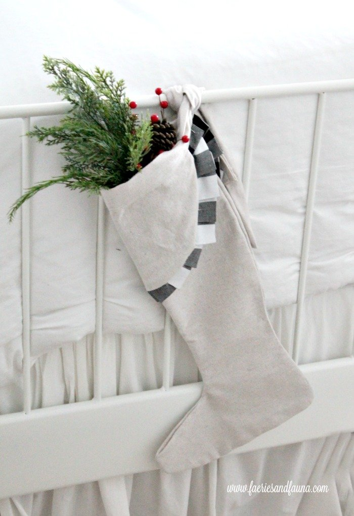 DIY Christmas Stocking With Buffalo Check #Christmas #buffalocheck #diy #decorhomeideas