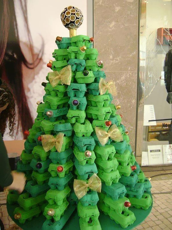 DIY Egg Cartons Christmas Tree  #Christmas #trees #decorhomeideas