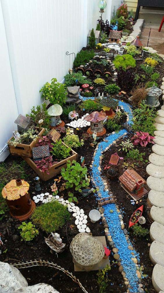 DIY Fairy Village Garden #fairygarden #diy #decorhomeideas