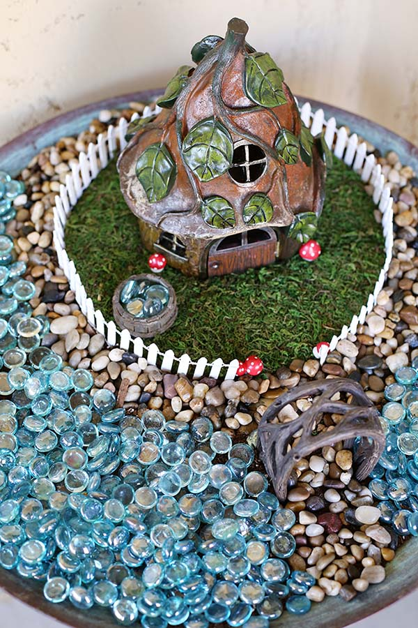 Fairy Garden Bird Bath #fairygarden #diy #decorhomeideas